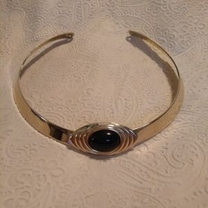 A Goldtone Collar/Choker Necklace